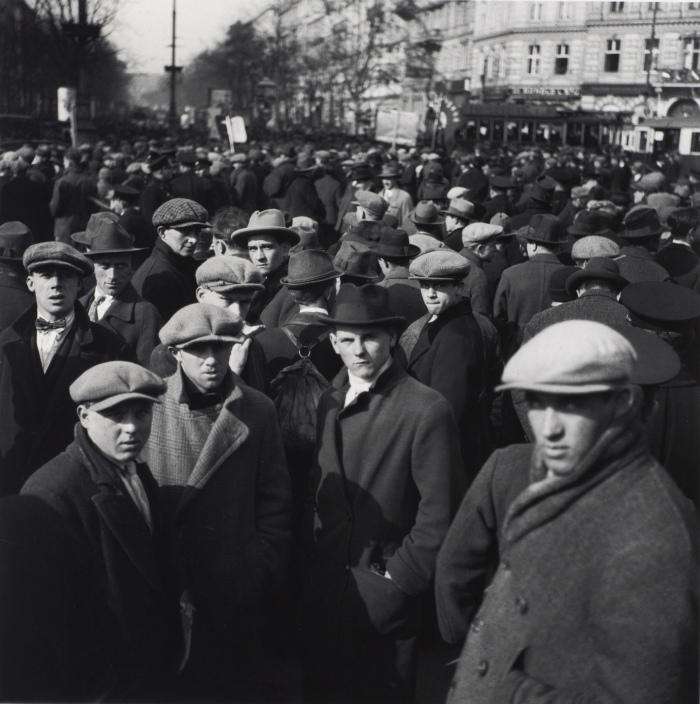 Edith Tudor Hart: Demonstration of unemployed in Vienna, Austria (1932)